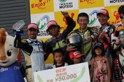 もてぎ7時間耐久レース表彰台2位