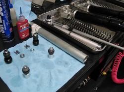 スプリングレートは9.5N/mm、圧側減衰も大幅に見直し油面は低めで設定
